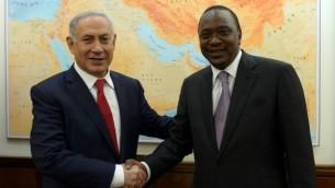 رئيس الزراء بينيامين نتنياهو يلتقي بالرئيس الكيني أوهورو كينياتا في مكتبه في القدس، الإثنين، 23 فبراير، 2016. (Haim Zach/GPO)