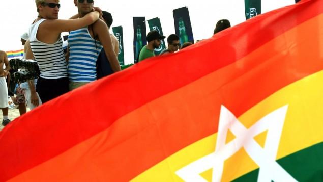 مسيرة الفخر في تل أبيب، يونيو 2010. (Omer Messinger/Flash90)