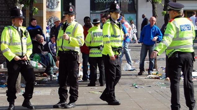 صورة توضيحية لعناصر شرطة بريطانيين (Wikimedia Commons)
