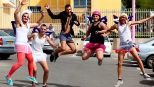 """صورة توضيحية لإسرائيليين يحتفلوا بعيد المساخر """"بوريم"""" (Flash90)"""