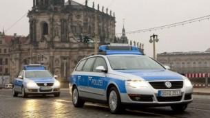 صورة توضيحية لسيارات شرطة المانية (screen capture: YouTube/ VanochCZ)