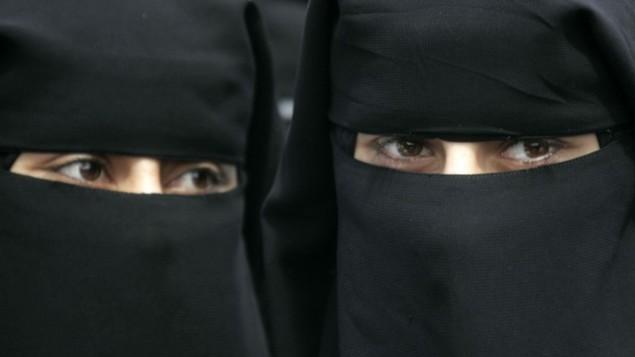 صورة توضيحية للنقاب. (Abed Rahim Khatib/Flash 90)