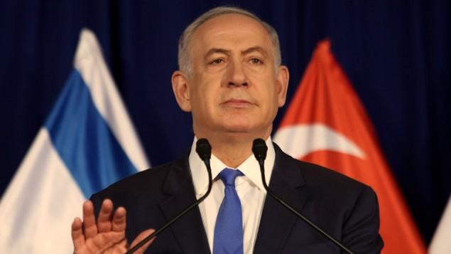 رئيس الوزراء بينيامين نتنياهو خلال مؤتمر صحفي مشترك مع نظيره السنغافوري في 19 أبريل، 2016 في ديوان رئيس الوزراء في القدس. (AFP PHOTO / GALI TIBBON)
