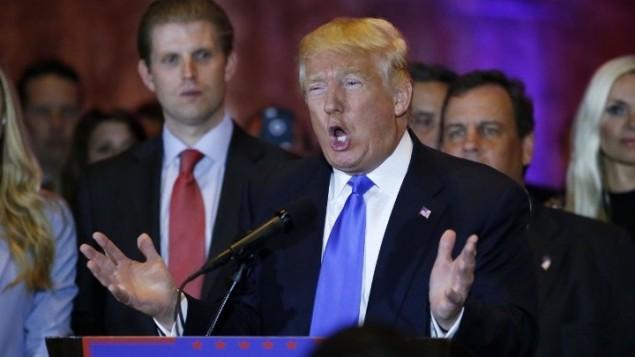 المرشح الجمهوري لرئاسية الولايات المتحدة دونالد ترامب يتحدث في 'برج ترامب' في نيويورك بعد فوزه في الانتخابات التمهيدية خمس ولايات، 26 ابريل 2016 (AFP PHOTO / KENA BETANCUR)
