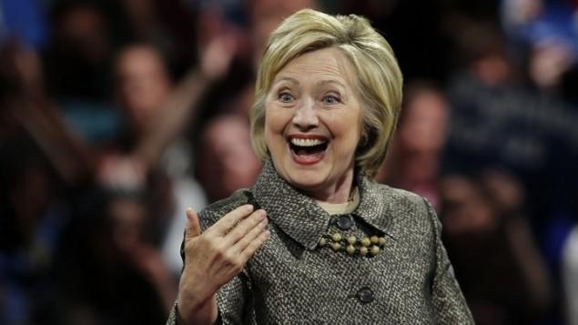 المرشحة الديمقراطية للرئاسة الامريكية هيلاري كلينتون تخاطب داعميها في فيلادلفيا، 26 ابريل 2016 (AFP PHOTO / EDUARDO MUNOZ ALVAREZ)