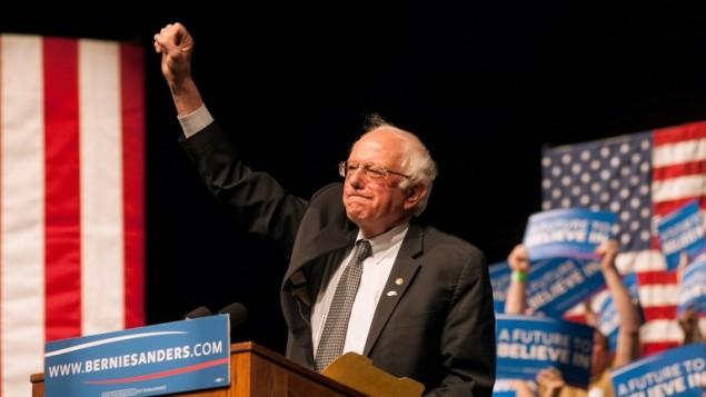 المرشح الديمقراطي بيرني ساندرز خلال خطاب في وايومينغ، 5 ابريل 2016 (Theo Stroomer/Getty Images/AFP)