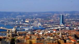 صورة توضيحية لمدينة مرسيليا الفرنسية (CC BY Gabriela Fab, Flickr)