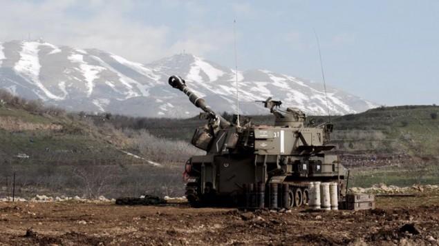 صورة وضيحية لمدفعية إسرائيلية على الحدود اللبنانية، 28 يناير، 2015 (IDF Spokesperson)