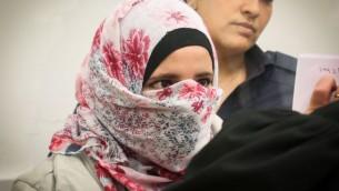شاتيلا ابو عياد (22 عاما)، من كفر قاسم، في المحكمة المركزية في اللد، 17 ابريل 2016 (Flash90)