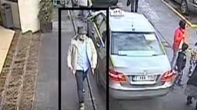 المشتبه الثالث في اعتداءات بروكسل التي وقعت في 22 مارس 2016 في صورة شاشة من كاميرا مراقبة نشرتها الشرطة البلجيكية (Screenshot/YouTube)