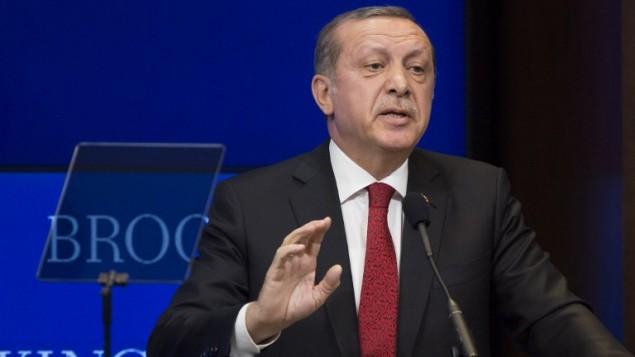 الرئيس التركي رجب طيب أردوغان خلال حديث في معهد بروكينغز في العاصمة واشنطن، 31 مارس، 2016. (Drew Angerer/Getty Images/AFP)