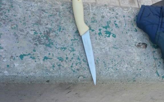سكين كان بحوزة رجلا  فلسطينيا كان يخطط لمهاجمة جنود اسرائيليين في الخليل، 6 مايو 2016 (Israel Police)