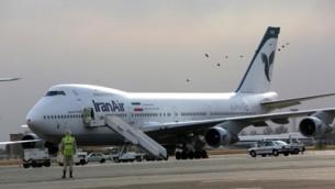 طائرة من طراز بوينغ 747 تابعة للطيران الإيراني في مطار مهرباد في طهران، 15 يناير 2013 (BEHROUZ MEHRI / AFP)