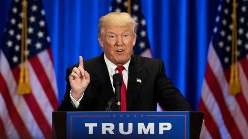 المرشح الجمهوري للرئاسة الأمريكية دونالد ترامب خلال خطاب في فندق ترامب في نيويورك، 22 يونيو 2016 (Drew Angerer/Getty Images/AFP)