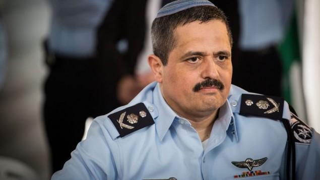 المفوض العام للشرطة روني الشيخ في مراسم الترحيب التي أجريت على شرفه، في مقر الشرطة في القدس، 3 ديسمبر، 2015. (Hadas Parush/Flash90)