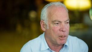 وزير الزراعة اوري ارئيل في البلدة القديمة في القدس، 6 مارس 2016 (Yonatan Sindel/Flash90)