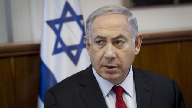 رئيس الوزراء بينيامين نتنياهو يترأس الجلسة الأسبوعية للحكومة في مكتب رئيس الوزراء في القدس، 26 يونيو، 2016. (Miriam Alster/FLASH90)