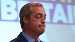 نايجل فاراج، رئيس حزب الاستقلال البريطاني (يوكيب) السابق، بعد خطاب في لندن، 4 يوليو 2016 (BEN STANSALL / AFP)