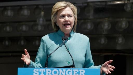 المرشحة الديمقراطية للرئاسة الأمريكية هيلاري كلينتون خلال خطاب في نيو جيزري، 6 يوليو 2016 (KENA BETANCUR / AFP)