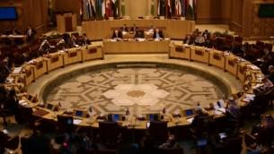 من الأرشيف: دبلوماسيون من جامعة الدول العربية يشاركون في اجتماع في مقر المنظمة في القاهرة في 5 يناير، 2015. (AFP/Mohamed el-Shahed)