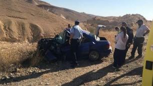 موقع حادث سير فاتل بالقرب من مدينة عراد، 13 يوليو 2016 (Magen David Adom)