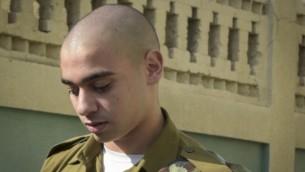 الرقيب إيلور عزاريا، الذي أطلق النار على منفذ هجوم فلسطيني عاجز، خارج المحكمة العسكرية في يافا، 24 يوليو، 2016. (Flash90)