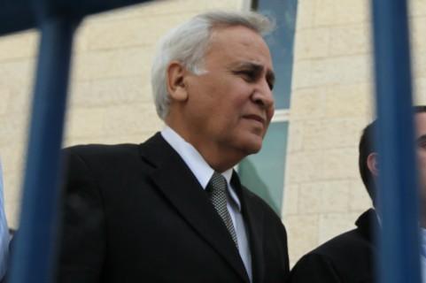 رئيس الدولة الأسبق موشيه كتساف يغادر المحكمة العليا في القدس في 10 نوفمبر، 2011، بعد إدانته بالإغتصاب.  (photo credit: Nati Shohat/ Flash90)