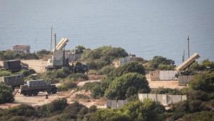 ذخائر صواريخ باتريوت بالقرب من شاطئ حيفا، 29 اغسطس 2013 (Avishag Shaar Yashuv/ Flash 90)