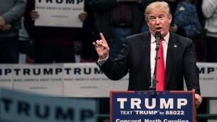 المرشح الجمهوري للرئاسة دونالد ترامبيخاطب الجمهوري خلال تجمع في إطار حملته الإنتخابية، 7 مارس، 2016، في كونكورد بولاية كارولينا الشمالية.  (Sean Rayford/Getty Images/AFP)