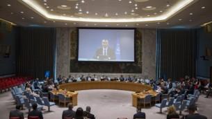 نيكولاي ملادينوف في خطاب أمام مجلس الأمن الدولي عبر محادثة فيديو في 29 أغسطس، 2016. (UN/Rick Bajornas)
