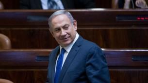 رئيس الوزراء بنيامين نتنياهو في قاعة الكنيست، 1 اغسطس 2016 (Yonatan Sindel/Flash90)