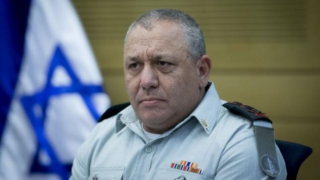 رئيس هيئة اركان الجيش غادي ايزنكوت خلال اجتماع لجنة مراقب الدولة في الكنيست، 16 اغسطس 2016 (Yonatan Sindel/Flash90)