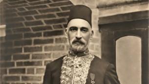 ساسون حسقيل، يهودي بغدادي كان اول وزير مالية عراقي ولعب دورا مركزيا  في بناء العراق (Courtesy: wikipedia)