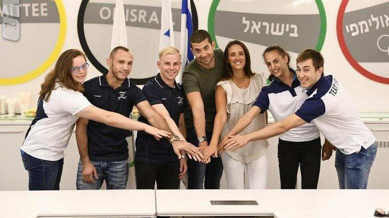 من اليسار: راز هيرشكو، اندري تساريوك، اورن شبات لورانت، سيفان لورانت شابات، لينوي اشرام ويوفال فرايليش (Courtesy Olympic Committee of Israel)