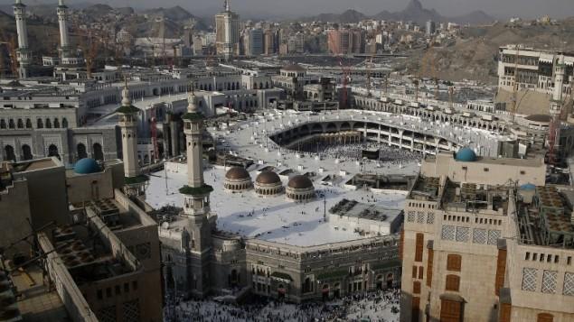 المسجد الحرام والمباني المجاورة في مدينة مكة المكرمة، 8 سبتمبر 2016 (AHMAD GHARABLI / AFP)