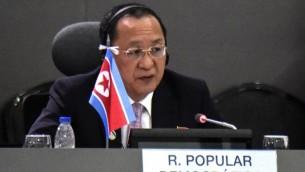 وزير الخارجية الكوري الشمالي ري يونغ-هو خلال قمة حركة عدم الانحياز في فنزويلا، 15 سبتمبر 2016 (JUAN BARRETO / AFP)