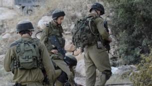 صورة توضيحية لجنود إسرائيليين في الضفة الغربية. (IDF Spokesperson's Unit/Flash90)
