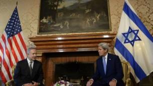 رئيس الوزراء بينيامين نتنياهو يلتقي بوزير الخارجية الأمريكي جون كيري في العاصمة الإيطالية روما، 27 يونيو، 2016. (Amos Ben Gershom/GPO)