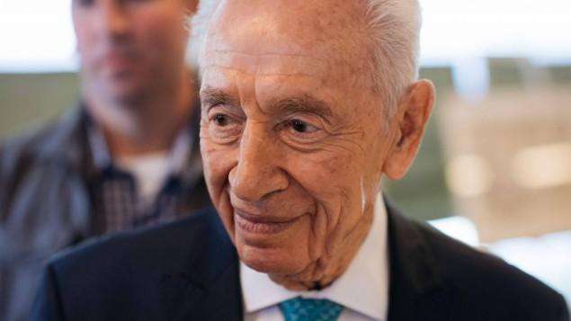 الرئيس الإسرائيلي السابق شمعون بيريس خلال حفل في مركز بيريس للسلام في تل ابيب، 27 يونيو 2016 (Ben Kelmer/Flash90)