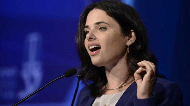 وزيرة العدل أييلين شاكيد في تل أبيب، 30 أغسطس، 2016. (Tomer Neuberg/Flash90)
