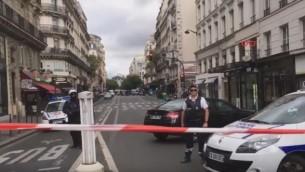 الشرطة تستجيب لإنذار كاذب بوجود عملية إرهابية في وسط باريس، 17 سبتبمر، 2016. (لقطة شاشة: YouTube)