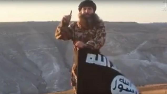 تهديدات من الجانب الآخر من الحدود في مطقع فيديو نشره تنظيم تابع ل'الدولة الإسلامية' على الجانب السوري من هضبة الجولان في 3 سبتمبر، 2016. (لقطة شاشة:YouTube)