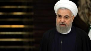 الرئيس الإيراني حسن روحاني خلال حديثه في مؤتمر صحفي في العاصمة الإيرانية طهران، 27 فبراير، 2016. (AFP/ATTA KENARE)