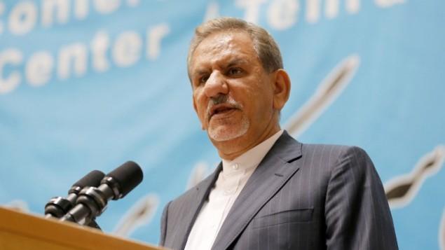 نائب الرئيس الإيراني اسحق جهانغيري خلال منتدى لممثلي قطاع الفنادق في طهران، 2 اكتوبر 2016 (ATTA KENARE / AFP)