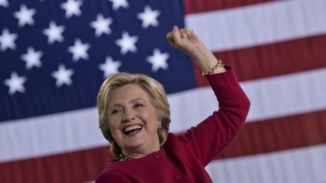 المرشحة الديمقراطية للرئاسة الامريكية هيلاري كلينتون في بنسلفانيا، 4 اكتوبر 2016 (BRENDAN SMIALOWSKI / AFP)