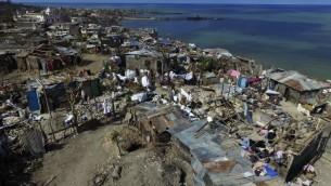 صورة جوية لبلدة جيرمي  في هايتي بعد مرور الاعصار ماثيو، 11 اكتوبر 2016 (NICOLAS GARCIA / AFP)