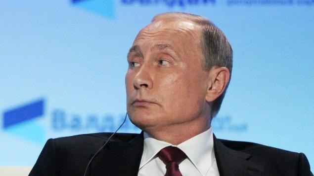 الرئيس الروسي فلاديمير بوتين خلال خطاب حول العلاقات الدولية في سوتشي جنوب روسيا، 27 اكتوبر 2016 (Mikhail KLIMENTYEV / SPUTNIK / AFP)