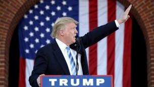 المرشح الجمهوري للرئاسة الاميركية دونالد ترامب خلال خطاب في ولاية فيرجينيا، 22 اكتوبر 2016 (Win McNamee/Getty Images/AFP)