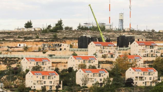 مستوطنة بين إيل شمال رام الله في الضفة الغربية، 27 نوفمبر، 2012.  (Oren Nahshon/FLASH90)