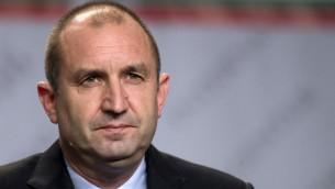 القائد السابق لسلاح الجو البلغاري والرئيس المنتخب رومن راديف خلال مؤتمر صحفي في صوفيا، 13 نوفمبر 2016 (NIKOLAY DOYCHINOV / AFP)